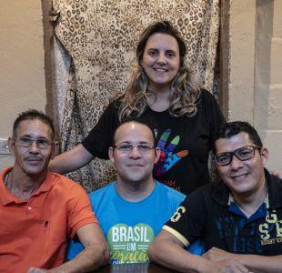 Los brasileños que adoptan a venezolanos para ayudarles a iniciar una nueva vida
