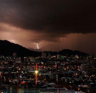 Meteorología anuncia tormentas eléctricas en zona central para este 18 de septiembre