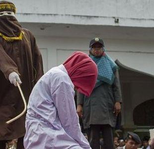 Malasia: las mujeres que fueron azotadas por tratar de tener relaciones homosexuales