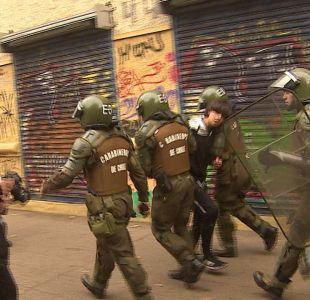 [VIDEO] Santiago expulsa alumnos por incidentes