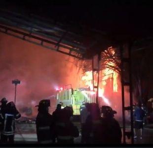 Registran incendio en aserradero cercano al Aeropuerto Arturo Marino Benítez