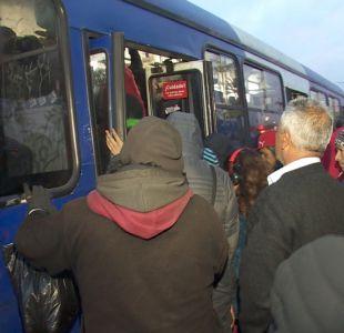 [VIDEO] Las largas esperas por paro en Transantiago