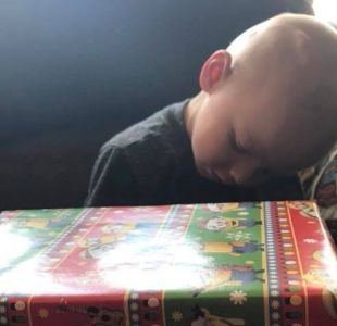 Niño estadounidense tuvo una navidad anticipada por una triste razón