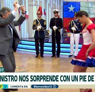 [VIDEO] Tonka se luce con picarona cueca junto al ministro de Defensa Alberto Espina