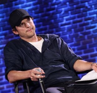 La divertida disculpa de Ashton Kutcher tras atropellar a joven fan
