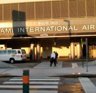 [VIDEO] Registran el momento en que un hombre disparó una metralleta en el aeropuerto de Miami