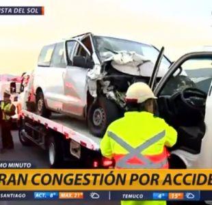 [VIDEO] Accidente de camión con verduras en Autopista del Sol genera gran congestión
