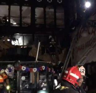 [VIDEO] Incendio afecta el interior del Mercado Central de Santiago
