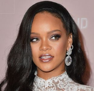 Rihanna responde a fans que preguntan por nueva música con hilarante meme