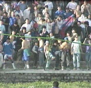 [VIDEO] Hace 28 años: El violento último paso de la barra de la U por La Cisterna