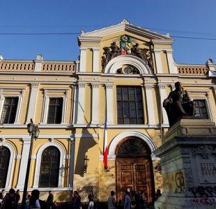 U. de Chile y UC lideran ránking de universidades de América Economía