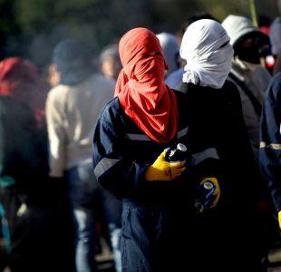 Carabineros detuvo a profesora encapuchada tras disturbios en Ñuñoa