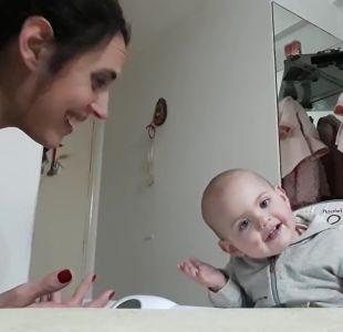 """[VIDEO] La historia tras la """"bebé youtuber"""" que es furor en redes sociales"""