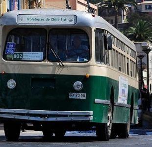 Ministra de Transportes asegura que se entregarán recursos para evitar fin de los Trolebuses