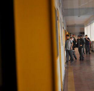 Acusan a profesor de agredir a 9 alumnos en colegio de Providencia