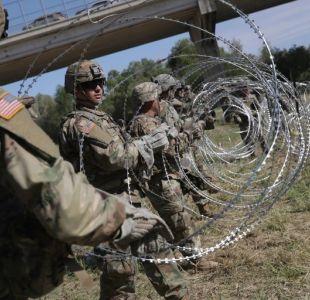 [FOTOS] Ejercito de Estados Unidos pone barrera de alambre con púas en frontera con México
