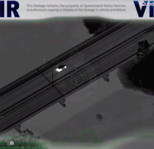 [VIDEO] Sujeto robó auto de lujo y se metió en un río con cocodrilos para huir de la policía