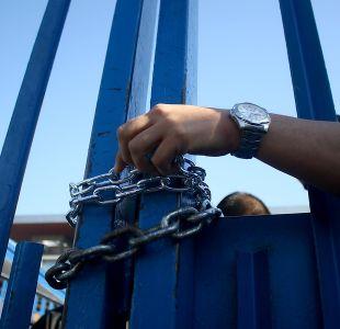 Funcionarios de Gendarmería bloquean acceso a ex Penitenciaría
