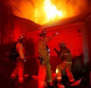Incendios en California: impactantes imágenes del fuego que obligó a evacuar la icónica Malibú