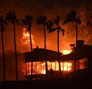 Nueve muertos y miles de evacuados por incendios en California