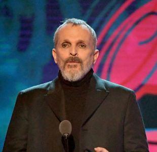 [VIDEO] Reaparición de Miguel Bosé en los Grammy Latino 2018 genera preocupación en los fanáticos