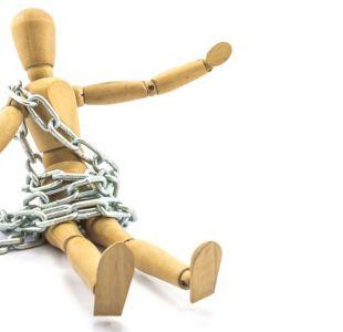 Abuso económico: Cómo mi esposo acumuló una deuda de US$75.000 a mi nombre