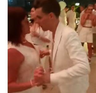 [VIDEO[ Un invitado demasiado entusiasta: rompió el piso bailando