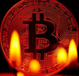 Bitcoin: 3 razones para entender el colapso de la criptomoneda y por qué puede seguir cayendo