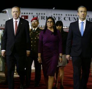 Presidente de Turquía Erdogan llega a Venezuela para reunirse con Nicolás Maduro