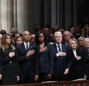 [VIDEO] Trump evitó saludar a los Clinton en el funeral de George H. W. Bush