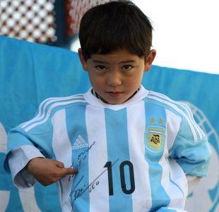 El calvario que vive Murtaza Ahmadi, el pequeño Messi, por amenazas del Talibán en Afganistán