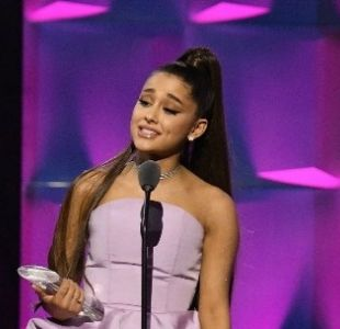Ariana Grande hace referencia a Mac Miller en su discurso por ser elegida como la Mujer del Año