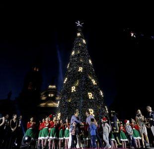 [FOTOS] Las increíbles imágenes del árbol de navidad en Plaza de Armas