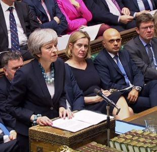 Theresa May pospone voto crucial sobre el Brexit en el Parlamento