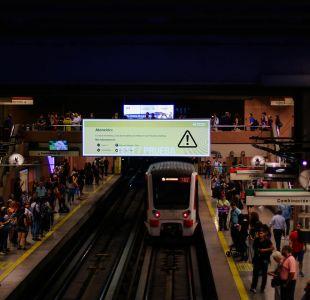 """Metro de Santiago inaugura """"estaciones digitales"""" que entregarán información del estado del servicio"""