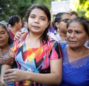 El Salvador: Joven que intentó abortar queda en libertad tras estar más de un año en prisión