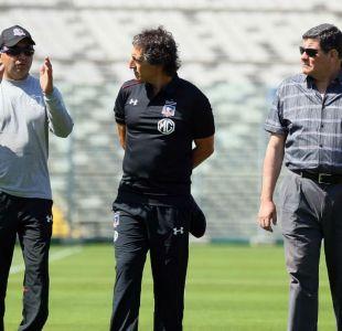 ¿Cábala?: La insólita reacción de Mario Salas al pisar el pasto del Estadio Monumental