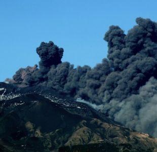 Volcán Etna entra en erupción en Italia