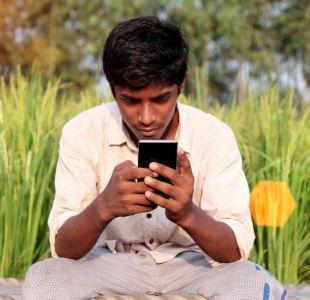 Cómo los celulares están distorsionando la visión de los jóvenes sobre el sexo en India