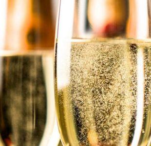 La singular reacción química que hace que el champán tenga burbujas