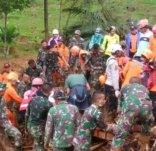 Al menos 15 muertos en deslizamiento de terreno en Indonesia