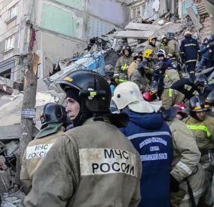 Rescatistas encuentran vivo a bebé luego de explosión de gas en Rusia