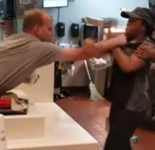 Hombre fue arrestado tras golpear a trabajadora de McDonalds por no pasarle bombillas