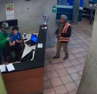 [VIDEO] Instructor de gimnasio fue apuñalado seis veces durante asalto
