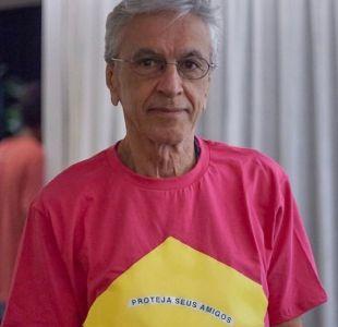 El desafio de Caetano Veloso al presidente de Brasil, Jair Bolsonaro, al decidir vestirse de rosado