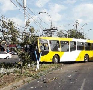Accidente de Transantiago tiene a 13 mil clientes sin electricidad en Puente Alto