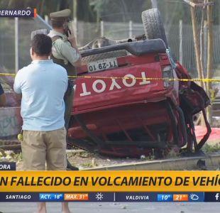 [VIDEO] Un fallecido y tres heridos tras volcamiento de camioneta en San Bernardo