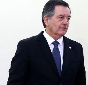 Roberto Ampuero se refiere a ex cónsules formalizados