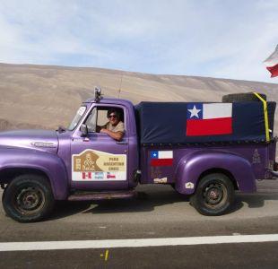 Chileno cumple una década de pasión por Dakar en camioneta vintage