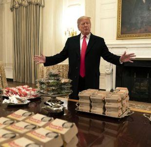 Trump compró 300 hamburguesas para comer en la Casa Blanca (y su relación con el cierre de gobierno)